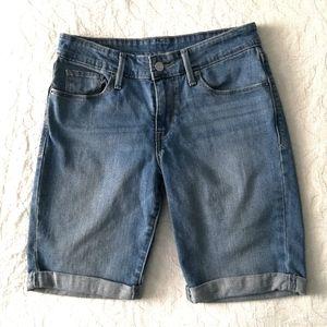 Levi's Bermuda Style Jean Shorts W/ Stretch Sz 27